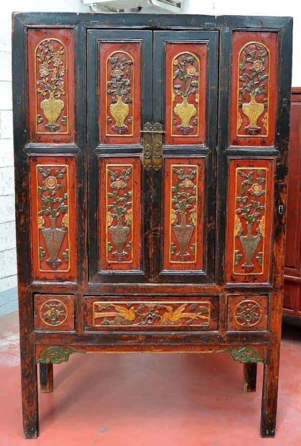 Antico-armadio-cinese-in-legno-finemente-intagliato-1880_1